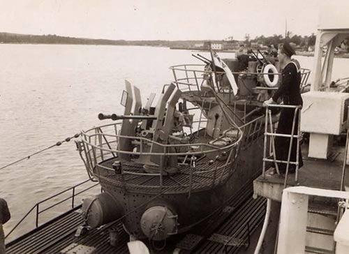 Don Johnson - 1945  U-889 U 889
